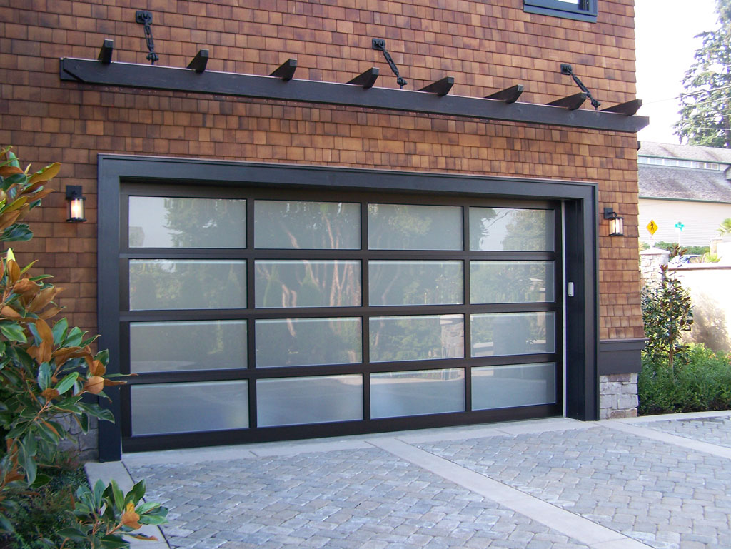 Garage door photo gallery vander griend lumber garage for Garage doors